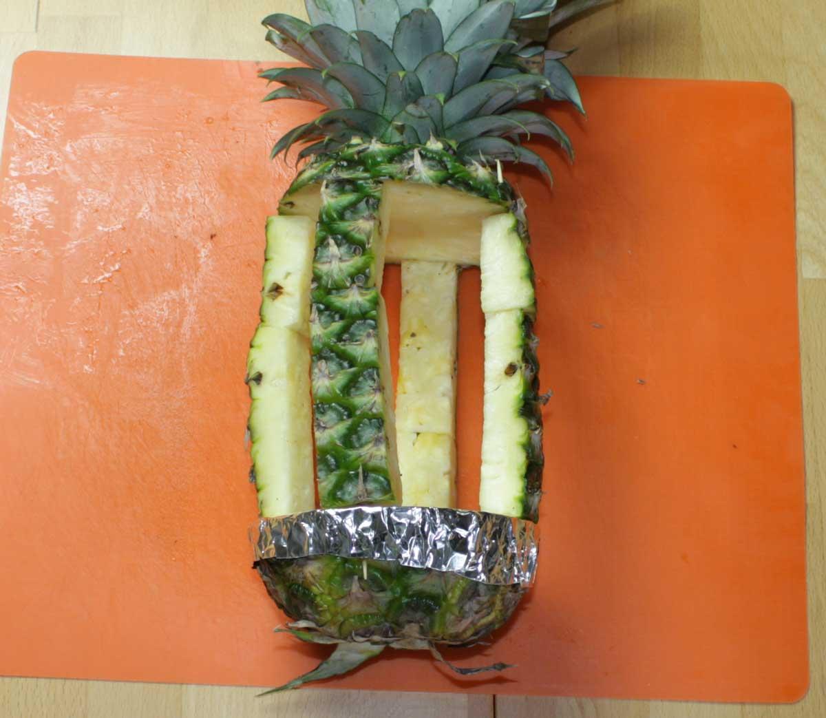 Fruchtkopf Ananas zusammengebaut